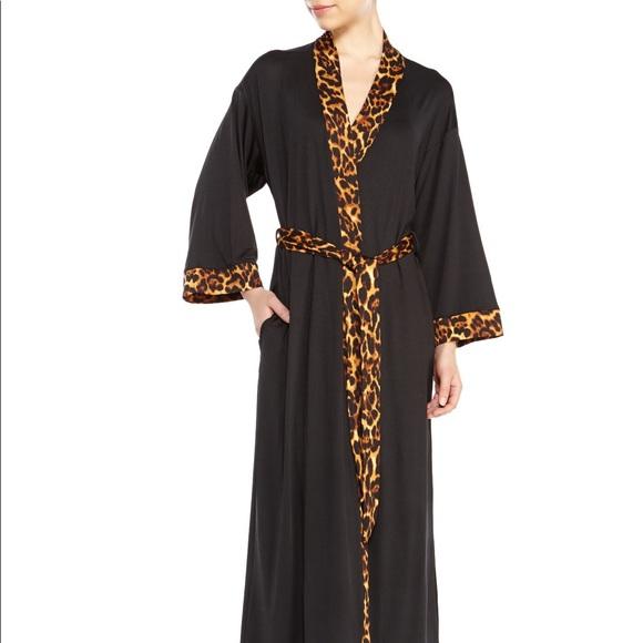 9144a75d3893 Natori Black Leopard Trim Blossom Robe. M_5c4a303a9fe486b73079d924
